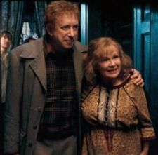 Mr-and-Mrs-Weasley-arthur-and-molly-weasley-10180677-225-221